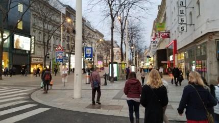 Mariahilfer Strasse sidewalk
