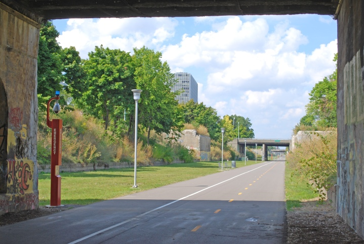 The Dequindre Cut Greenway. Note the intentionally unremoved graffiti on the underpass. Credit: By Andrew Jameson - Own work, CC BY-SA 3.0, https://commons.wikimedia.org/w/index.php?curid=7754337