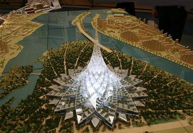 A model of Crystal Island, the proposed arcology near Moscow designed by Foster and Partners. Credit: By http://agency.archi.ru/images_linked.html?rt=news&id=4799&img_id=17734, Fair use, https://en.wikipedia.org/w/index.php?curid=15074878